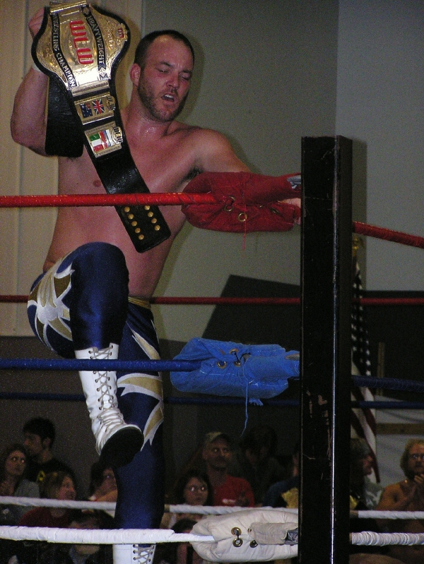 "New WLW Heavyweight Champ, ""Superstar"" Steve Fender."