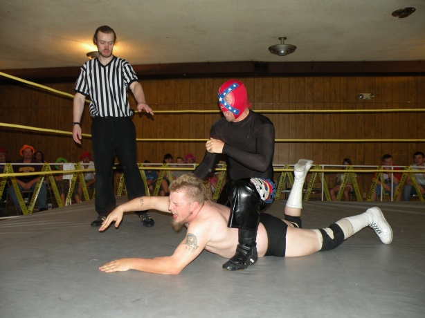 Rebel Lucha plays with Eric Fantabulous (Photo Credit: Brian Kelley)