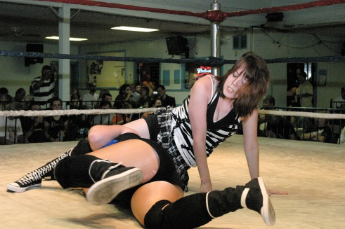 Destiny Diamond controls Alexis early in the match. (Photo credit: Mike Van Hoogstraat)
