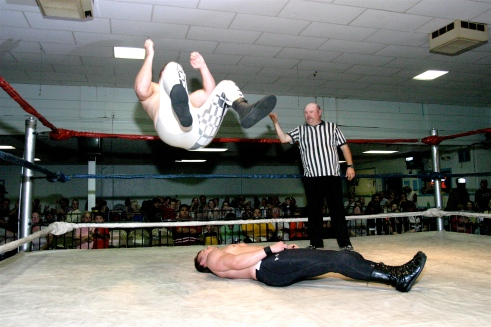 Blade looked strong early in this non title match when he hit a elbow drop from the top rope.(Photo credit: Mike Van Hoogstraat)
