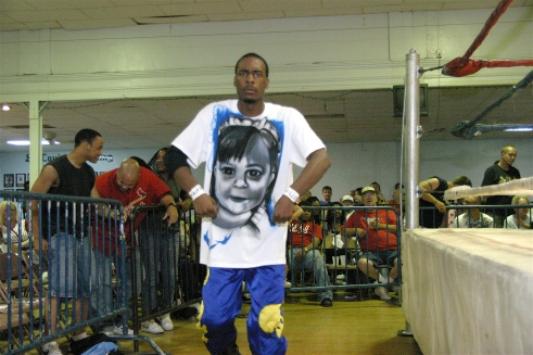 AJ Williams honors the memory of two year old Faith Miller, the niece of MMWA-SICW Ring Announcer Tim Miller (MMWA-SICW Ring Announcer Tim Miller)