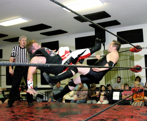 After a drop kick Static had Blade feeling a little bit of his own medicine. (Photo Credit Michael R Van Hoogstraat)