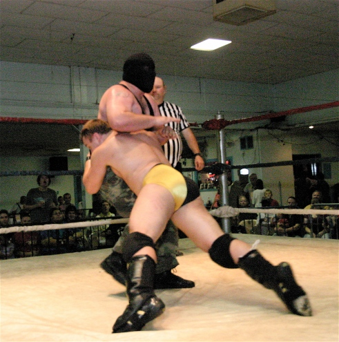 After a powerful spear Vaughn gets the big win(Photo by Michael R Van Hoogstraat)
