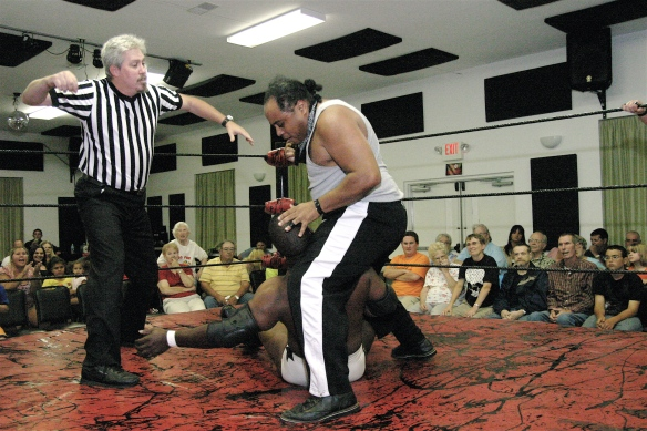 The MMWA-SICW Kingpin Phil E Blunt works over his arch enemy Gary Jackson (Photo Credit Michael R Van Hoogstraat)