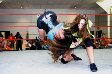 Santana G lets Jessika Haze and CCW know that she is to be reckoned with. (Photo Credit Hoogstraat)